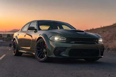 2020 Dodge Charger_front_right